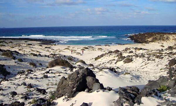 Spiaggia vicino a Orzola